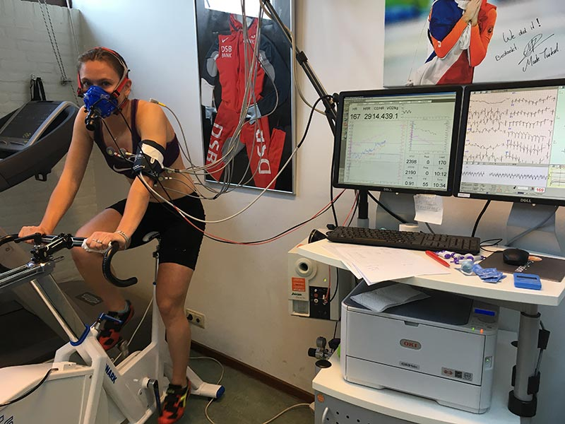 Een inspanningstest met ademanalyse (oxycon) uitgevoerd op de fiets bij SMA Aalsmeer